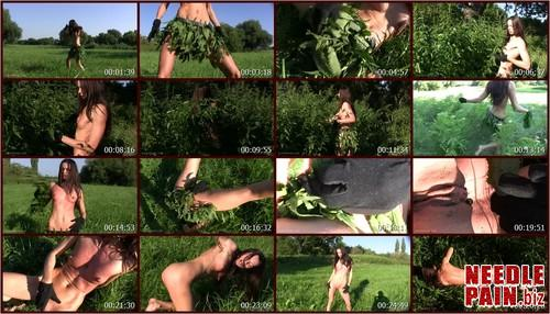 0030 QS Nettle Jungle.t m - Nettle Jungle - Queensnake, self torment, stuffing, insertion