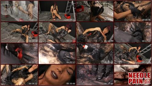 0087 QS Black.t m - Black - Queensnake, insertion, peebody painting, dirty, messy