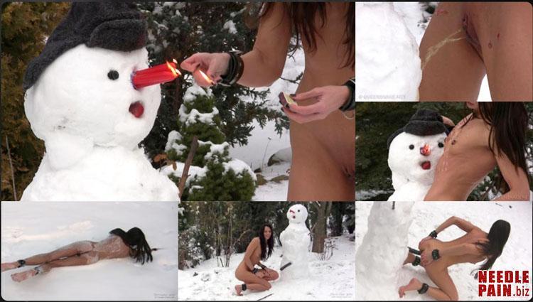 5d12565e2cd68 0013 QS Fucking Snowman - Fucking Snowman - Queensnake, snow, hot wax, stuffing, speculum