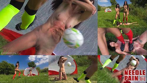 0216 QS Soccer Girls m - Soccer Girls - Queensnake, Tanita, Nazryana, kicking, trampling, ball