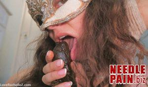 CUMMING and SUCKING this Tasty TURD – scat girls, shit tasting