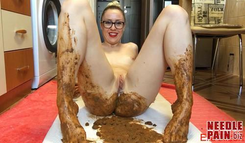 EllaGilbert   Feet Fetish Skype Show m - EllaGilbert - Feet Fetish Skype Show - extreme scat, shitting ass