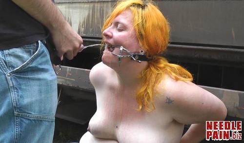 Amateure Xtreme   Pee Girl m - Pee Girl - Christina - Amateure-Xtreme, peeing, outdoors